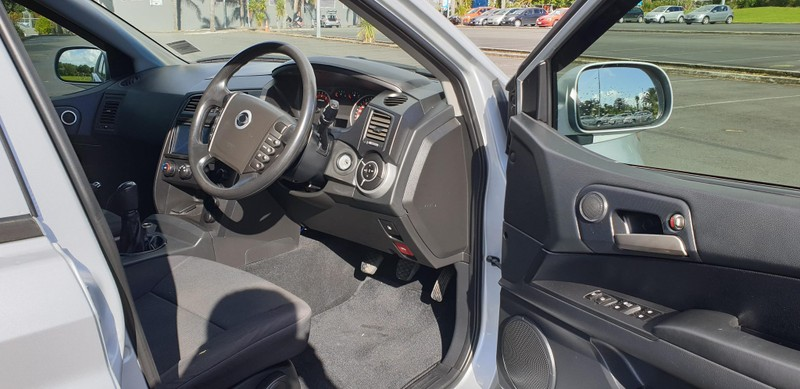 2014 SsangYong Actyon image 6