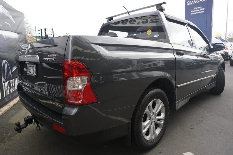 2014 SsangYong Actyon image 2