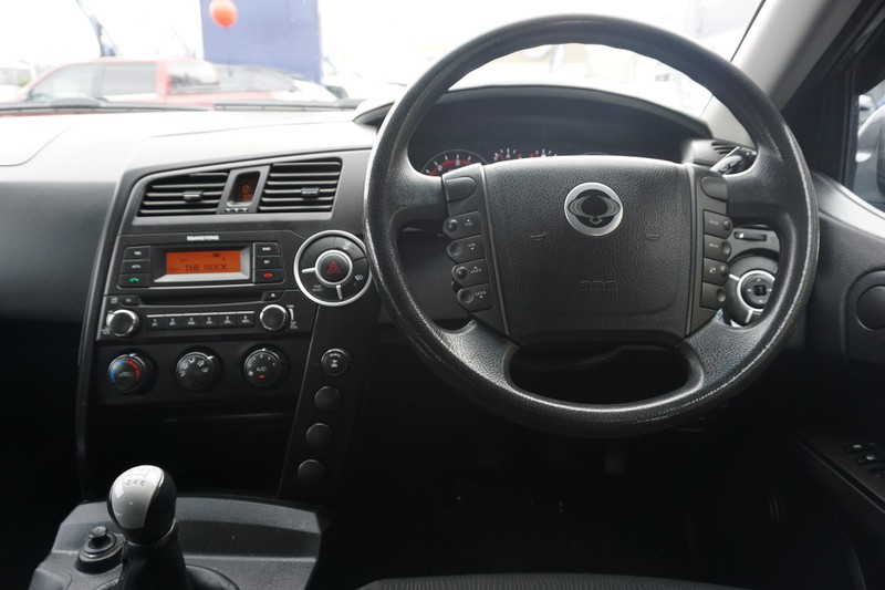 2014 SsangYong Actyon image 8
