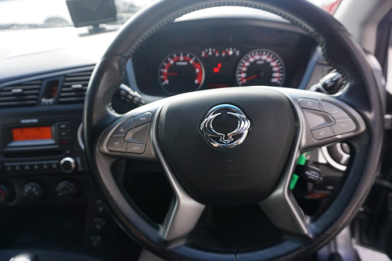 2014 SsangYong Actyon image 13