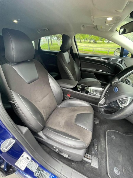 2016 Ford Mondeo image 12