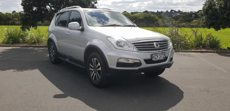2015 SsangYong Rexton image 4