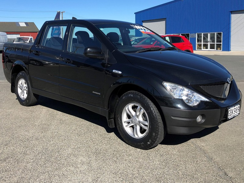 2011 SsangYong Actyon image 1