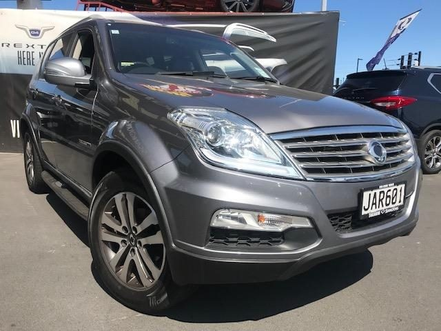 2015 SsangYong Rexton image 1