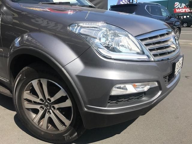 2015 SsangYong Rexton image 6