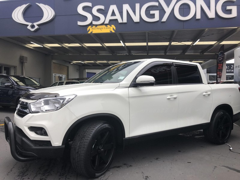 2019 SsangYong Rhino image 5