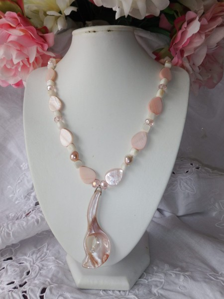 4fc703cd3 Pink Freshwater Pearl & Pink Mother of Pearl Necklace #06 | Trade Me