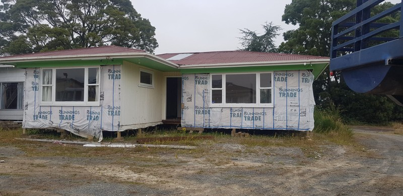 RELOCATED AND PILED 3-BEDROOM HOUSE PRICED TO SELL