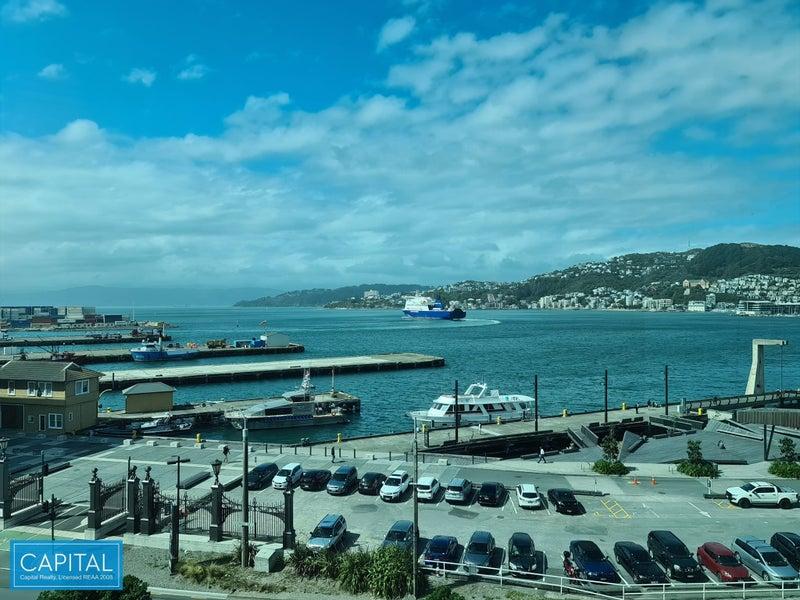 742 sqm - 1 floor - harbour & city views