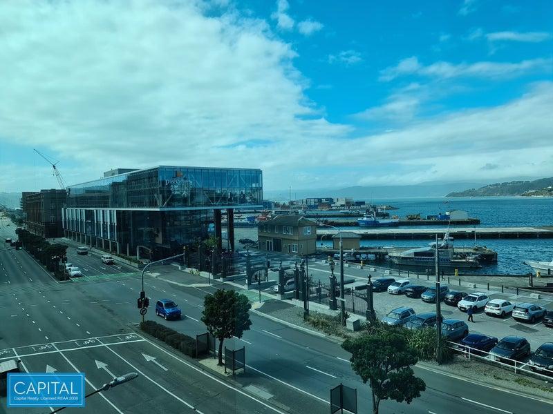 741 sqm - 1 floor - harbour & city views