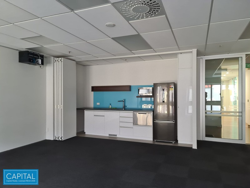 87 sqm Office Suite - kitchenette & meeting room
