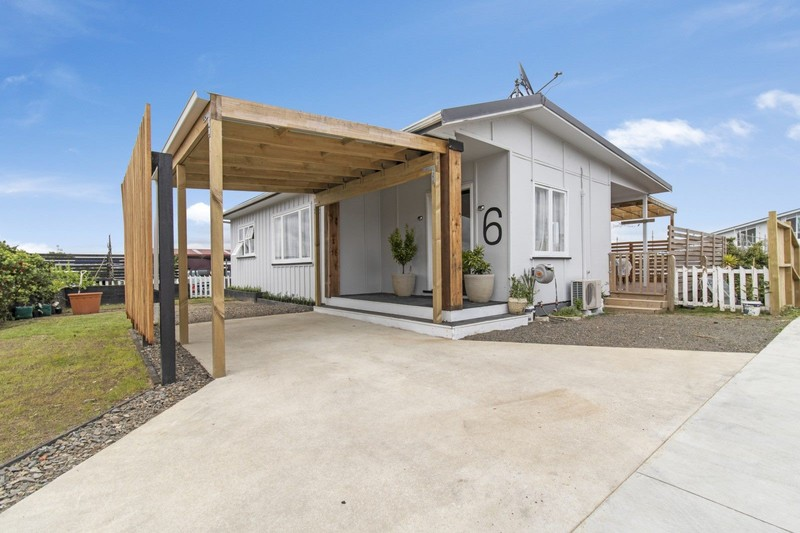 Extensive renovation and a first class location!