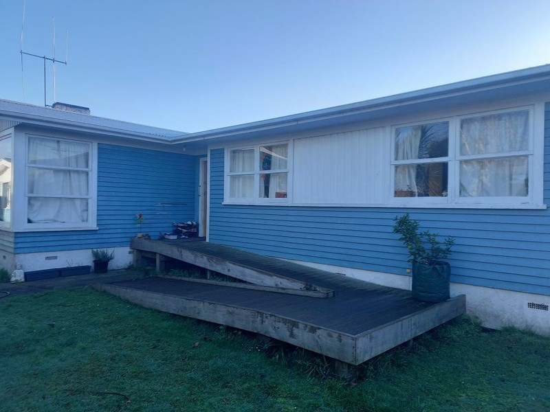 SOLID, WELL BUILT 3-BED HOUSE. RELOCATED & PILED