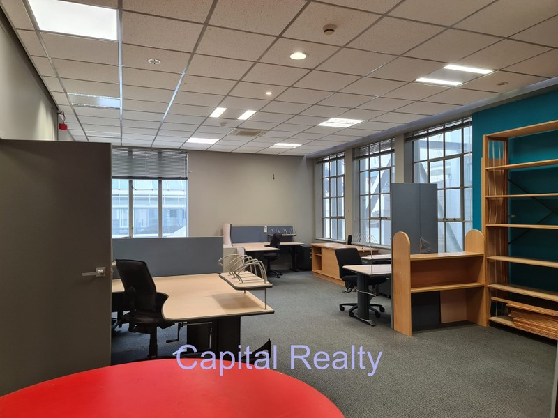 70m2 Character Office Suite