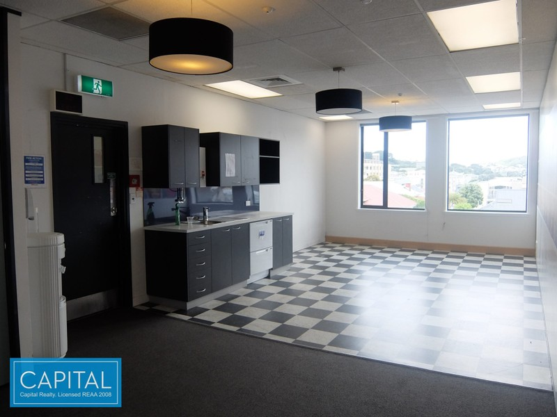 Large affordable office floor - Courtenay Place