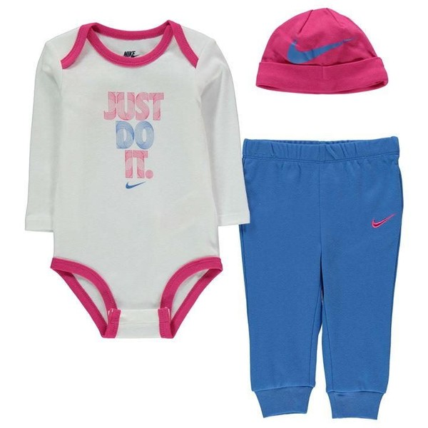 610cdb0792907 NIKE Babies 0-3 Months  3 PIECE SET  NEW