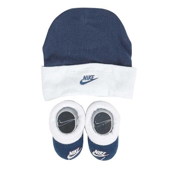 NIKE Baby Newborn Hat   Booties Set  BRAND NEW  Infant 0-6m ... 5948ea41654