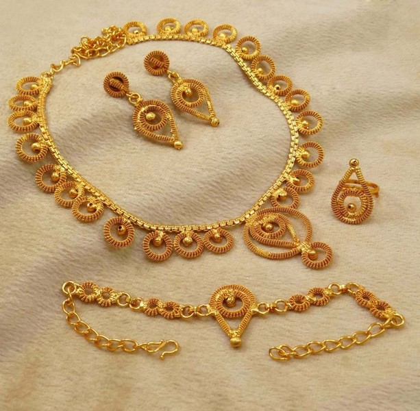 4 Pc Traditional Indian Goldplated Necklace Set Ethnic Designer