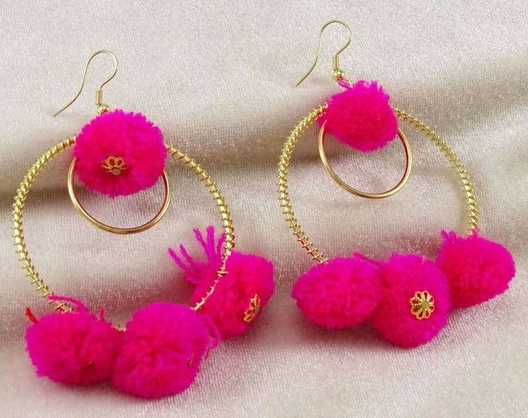 dd7bf6690ecc46 Amazing Goldtone Pink Thread Pom Pom Dangle Drop Earring Set Fashionable  Jewelry   Trade Me