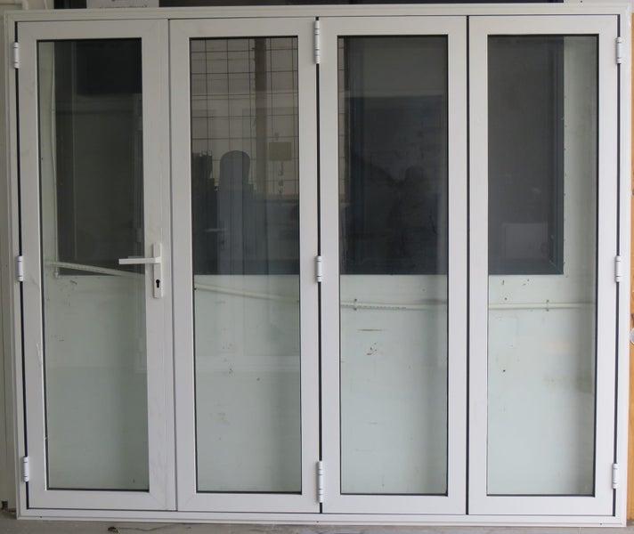 huge selection of 77fb1 db898 BRANDNEW WHITE ALUMINIUM DOUBLE GLAZED BIFOLD DOOR