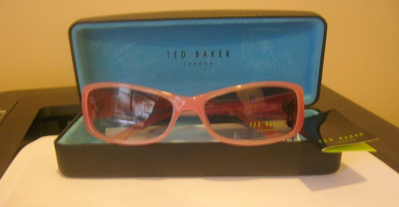f599f4104 New Ted Baker ladies sunglasses in case London