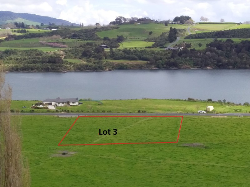 One acre section with Waikato river views