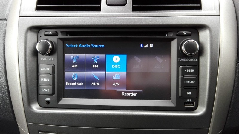 Toyota genuine stereo touch screen bt USB aux | Trade Me