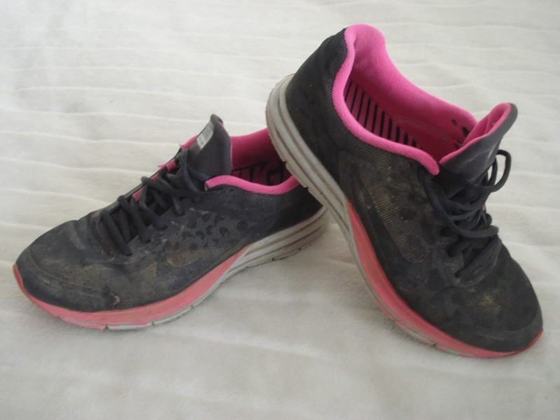 new products 1464e 6bc6b NIKE Size US8 STRUCTURE 17 SHOES