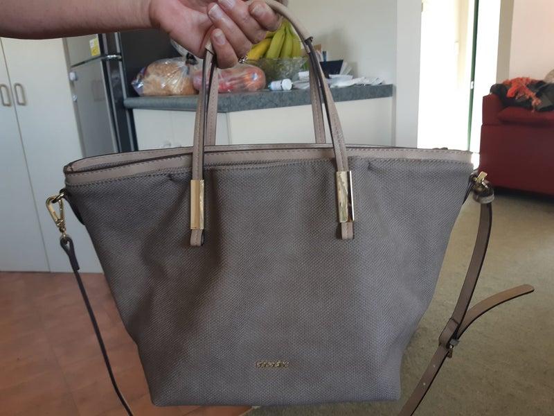 f7f8873ea72c Gorgeous Taupe Italian Handbag Shoulder Bag