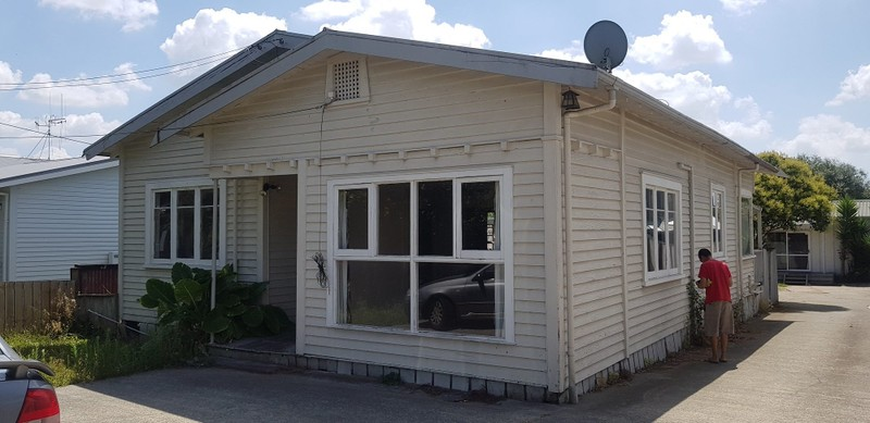 RELOCATED AND PILED 3 BEDROOM BUNGALOW