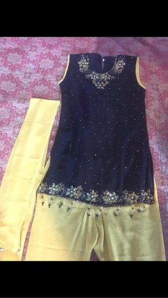 Girls Black  Yellow Indian Salwar Kameez   Trade Me-7880
