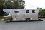 2006 Hino 3 horse truck with accomodation