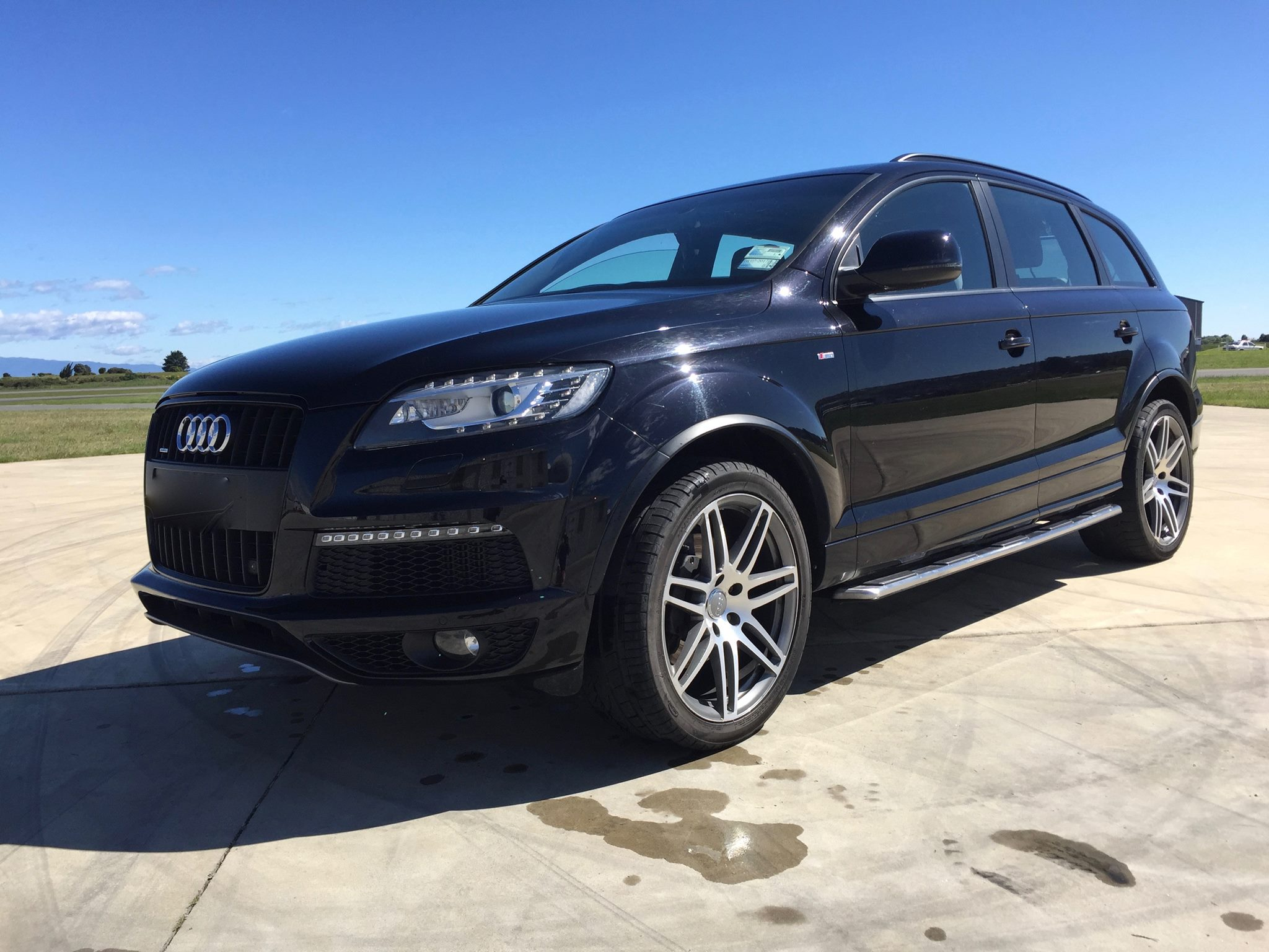 audi q7 2011 audi q7 4 2 tdi v8 diesel s line 2011 trade me. Black Bedroom Furniture Sets. Home Design Ideas