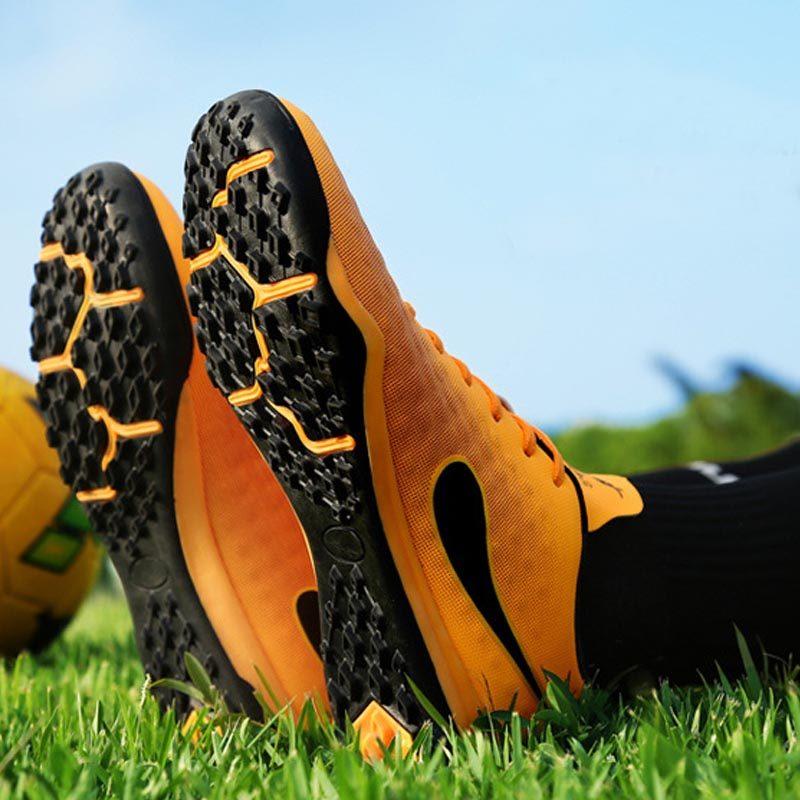 8932d28ed52 Men Women Soccer Shoes Indoor Football Shoes Sneakers Boys Girls ...
