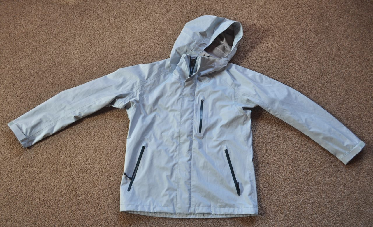 find lowest price many fashionable bright n colour UNIQLO - BLUE WATERPROOF JACKET - Mens Medium