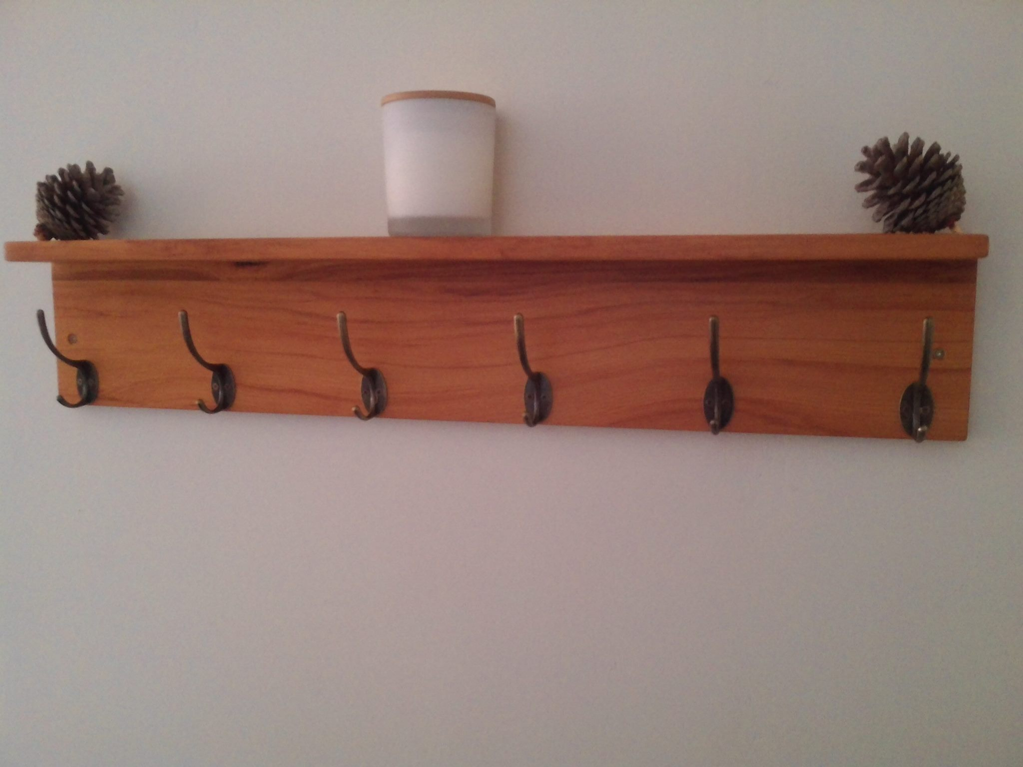 more photos 1d00f 17efd Rimu Coat and Hat Rack with Floating Shelf 800mm 6 hooks