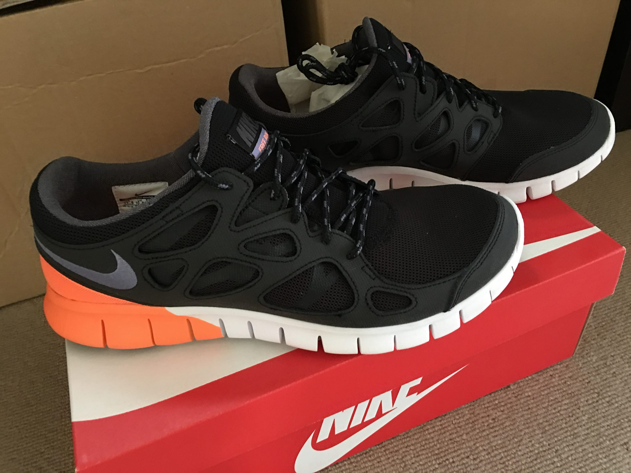Qualité supérieure b59c7 80902 Nike Free Run 2 Couple Colours To Choose From