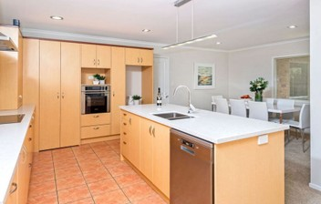 STONE KITCHEN BENCHTOP FABRICATOR in HOWICK