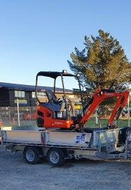 For hire 1.7 ton Kubota digger