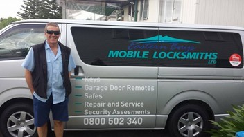 Eastern Bays Locksmiths ph 0800 502 340 - 24/7