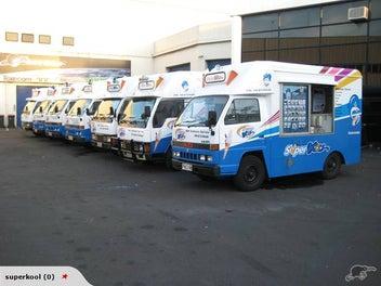 Mobile ice cream van / ice cream truck