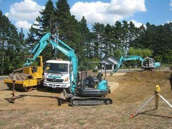 Earthmoving, digger & Truck hire