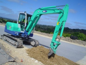 5 Ton Digger Hire with operator available now
