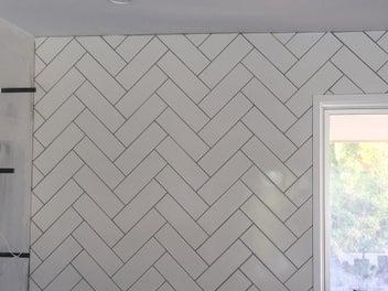 Female Tiler -Tiled Splashbacks