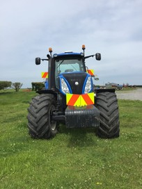 T8.390 New Holland Tractor for Hire