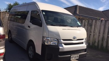 Hire Jumbo 12 Seater Van