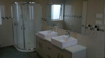 TILING FLOOR AND WALL 02041148025