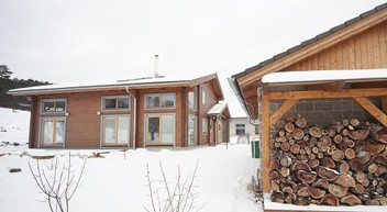 Timber houses, sleepouts, cabins, studios, saunas.