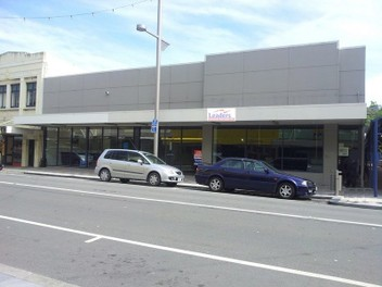 Quality retail/office-.High Street..