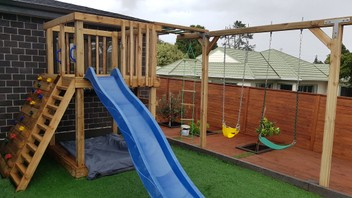 PlaySets/Deck/Fence& Landscaping